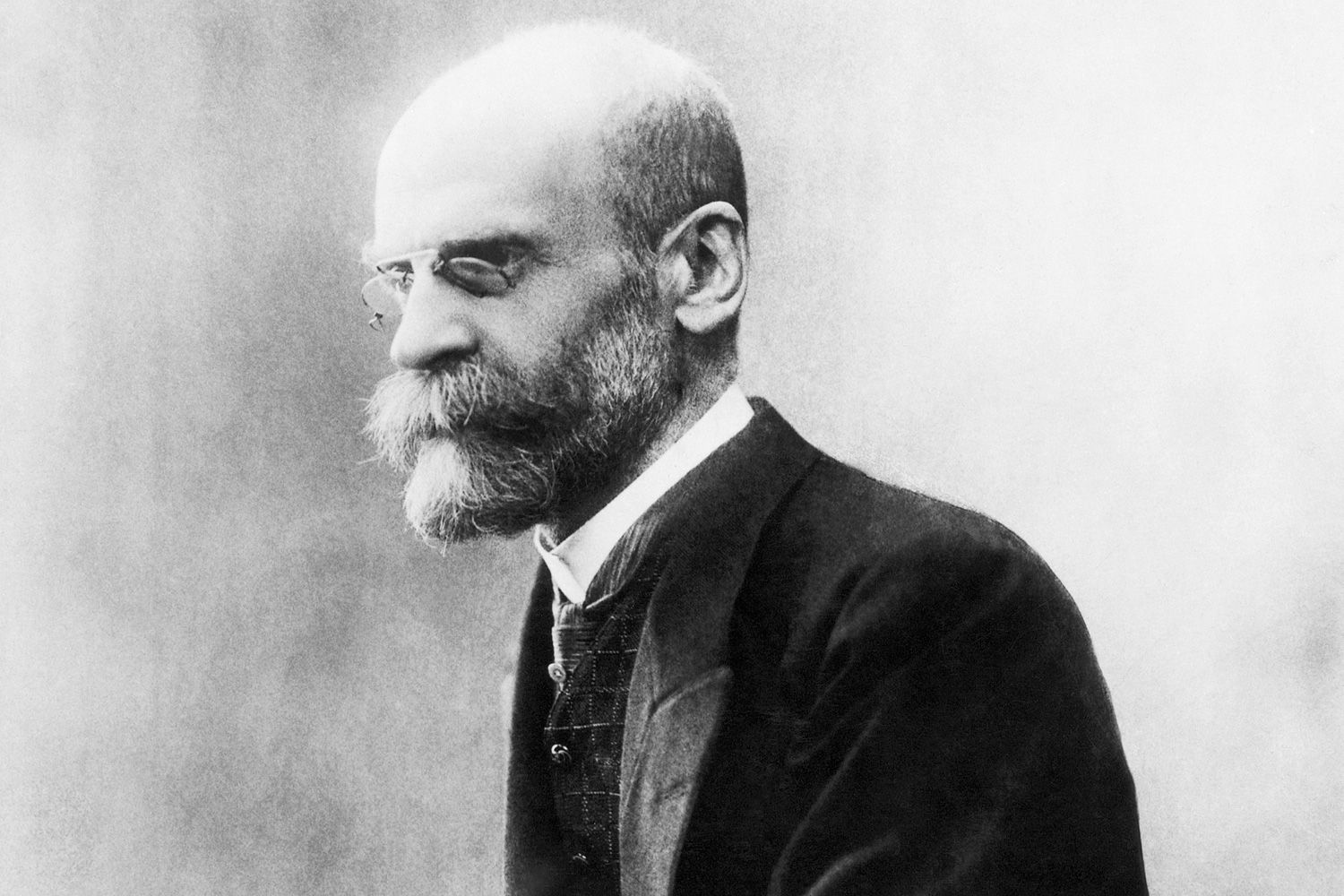 You are currently viewing Great Jewish Thinkers-Durkheim 'Religion is the worship of society'